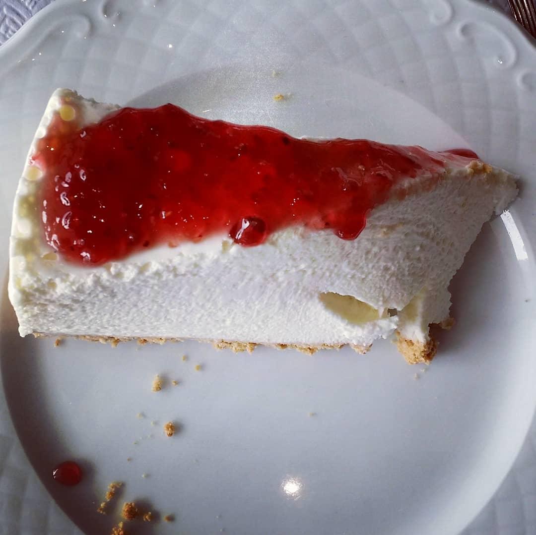E que tal um cheesecake para ajudar a digestão?
