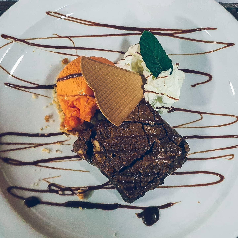 Brownie com gelado de tangerina - nada melhor para terminar